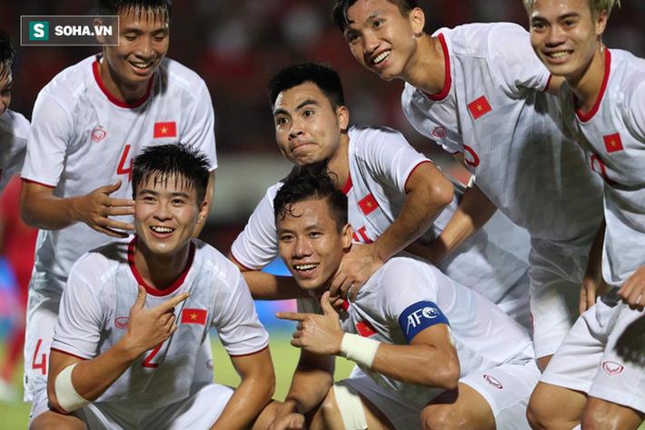 HLV Lê Thụy Hải: Việt Nam chơi tiến bộ, chặt chẽ thế này thì không phải ngại UAE - Ảnh 1.