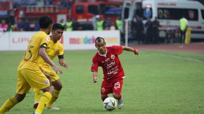 Vừa thảm bại trước Việt Nam, ngôi sao tí hon của Indonesia lại khổ sở vì quy định kỳ quặc - Ảnh 2.