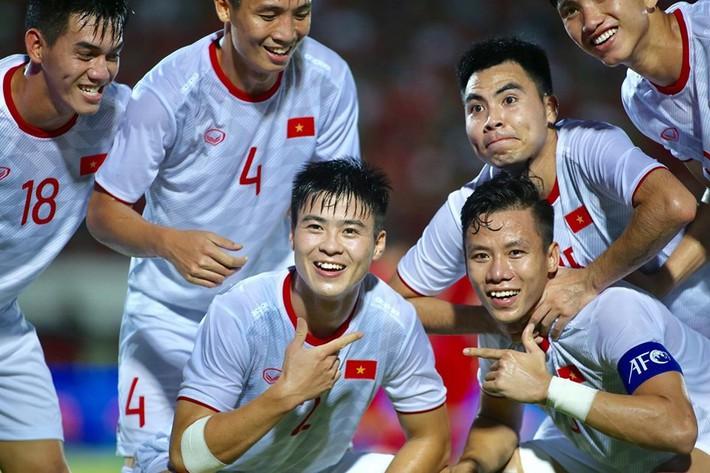 Tuyển Việt Nam mơ World Cup, thầy Park táo bạo đổi chiêu - Ảnh 1.