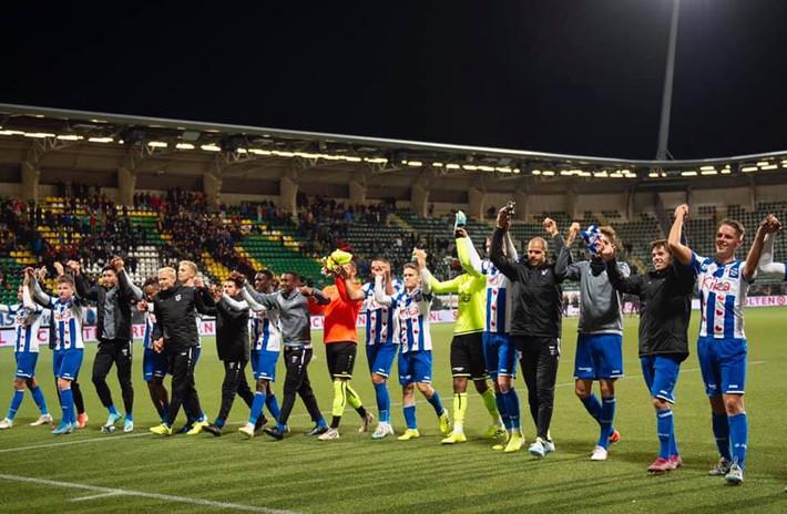 SC Heerenveen đại thắng, HLV Jansen ra quyết định gây ngạc nhiên về Đoàn Văn Hậu - Ảnh 2.