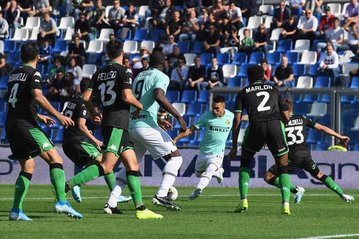 Lukaku chói sáng, Inter thắng siêu kịch tính - Ảnh 1.
