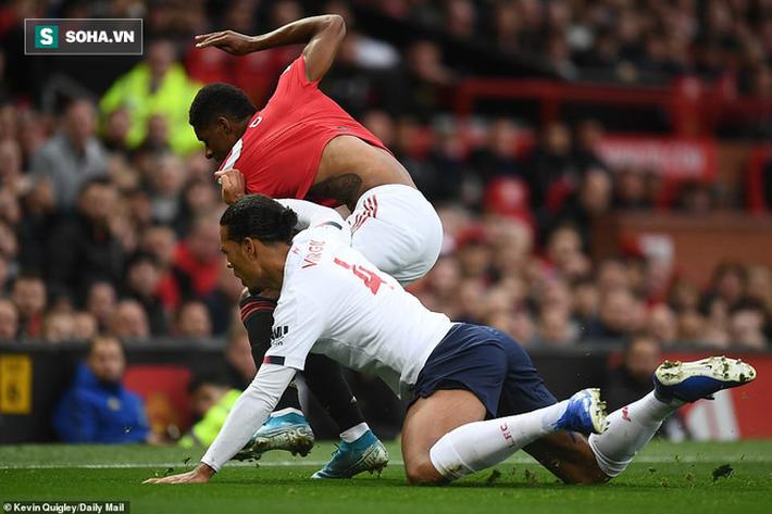 Xuất thần, Quỷ đỏ chặn đứng Liverpool bằng bàn thắng gợi nhớ pha bẻ còi tai tiếng ở V.League - Ảnh 5.