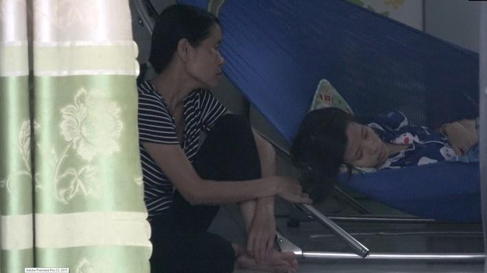 Bán tấm HCV đỉnh cao của đời khuyết tật, nhà vô địch thế giới giúp cô học trò nghèo ung thư - Ảnh 3.