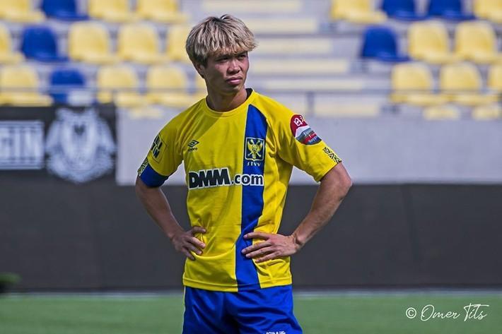 Thảm hơn Công Phượng, 'Messi Hàn' bị Sint-Truidense đuổi thẳng - Ảnh 1.