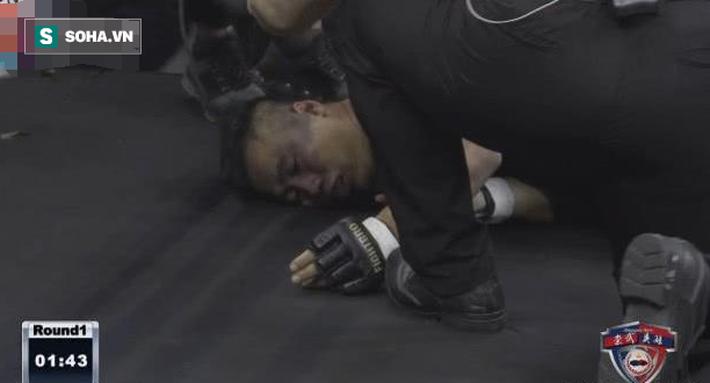 Được chấp kiểu xa luân chiến, võ sư Vịnh Xuân vẫn ăn đá tím mặt, bất tỉnh sau 74 giây - Ảnh 8.