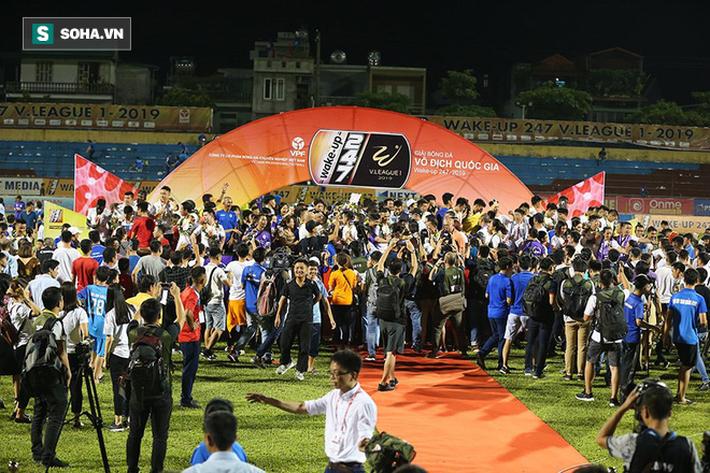 Thầy Quang Hải tiết lộ lý do để thua đậm trong ngày nhận cúp vô địch V.League - Ảnh 1.