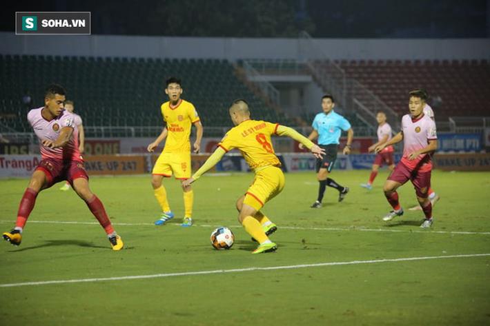 HAGL thắng tưng bừng, Thanh Hóa giành suất play-off nghẹt thở ở vòng cuối V.League - Ảnh 1.