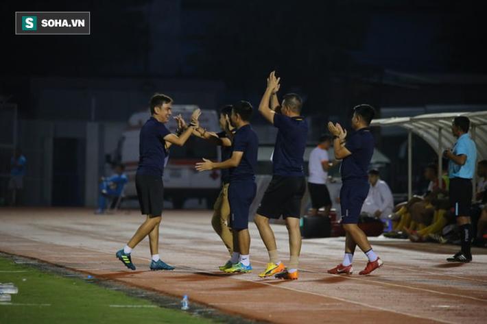 HAGL thắng tưng bừng, Thanh Hóa giành suất play-off nghẹt thở ở vòng cuối V.League - Ảnh 2.