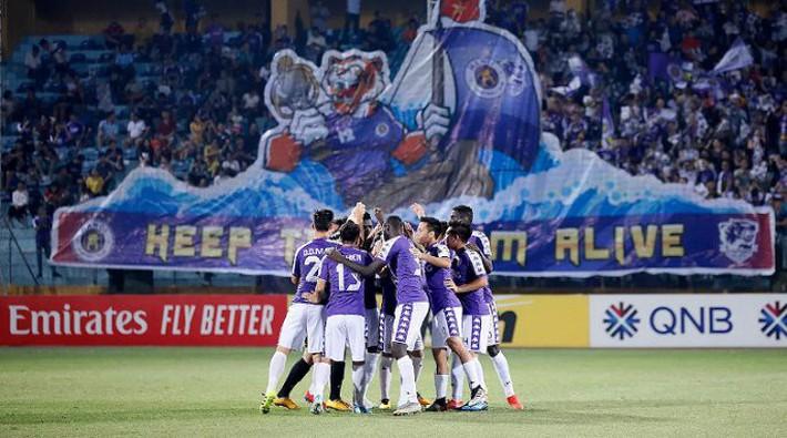BLV Quang Huy: Nhiều CLB V-League thi đấu thiếu cạnh tranh, không khác gì tập thể dục - Ảnh 2.