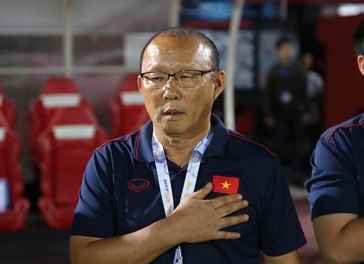Báo Hàn chê lương thầy Park thấp, VFF nói đàm phán thuận lợi - Ảnh 2.