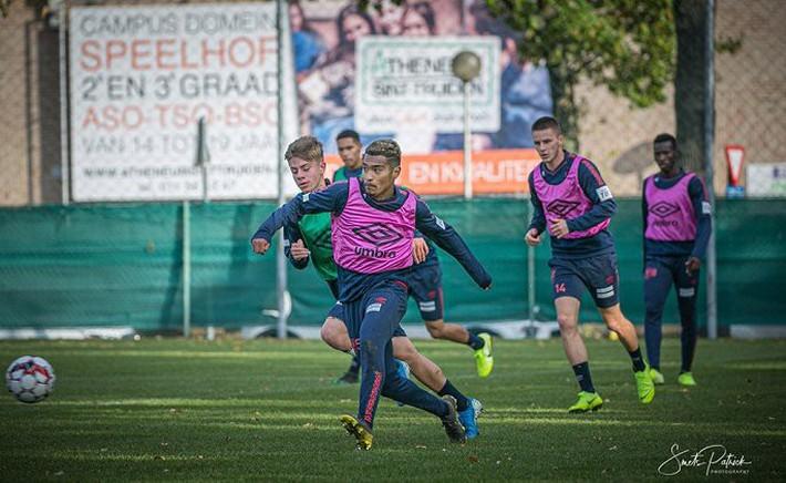 Công Phượng tập luyện trong mỏi mòn ngày ra sân ở Bỉ - Ảnh 8.