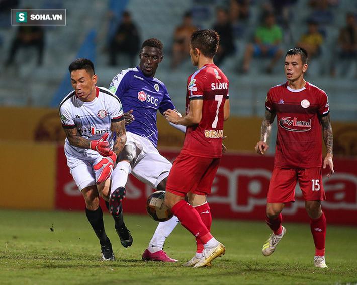 Sau pha tranh cãi làm đối thủ suýt bỏ đá, Hà Nội FC mở ra cơ hội làm điều chưa từng có - Ảnh 5.