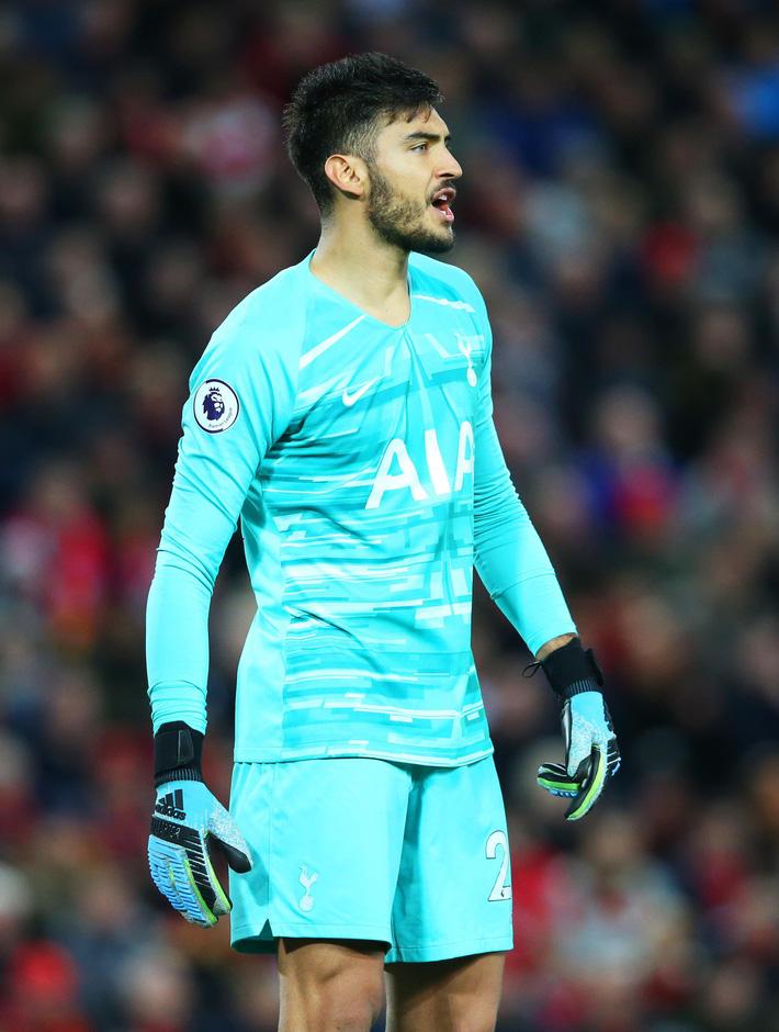 Vận may gõ cửa, Liverpool xây chắc ngôi đầu bảng bằng trận thắng nhọc trước Tottenham - Ảnh 2.