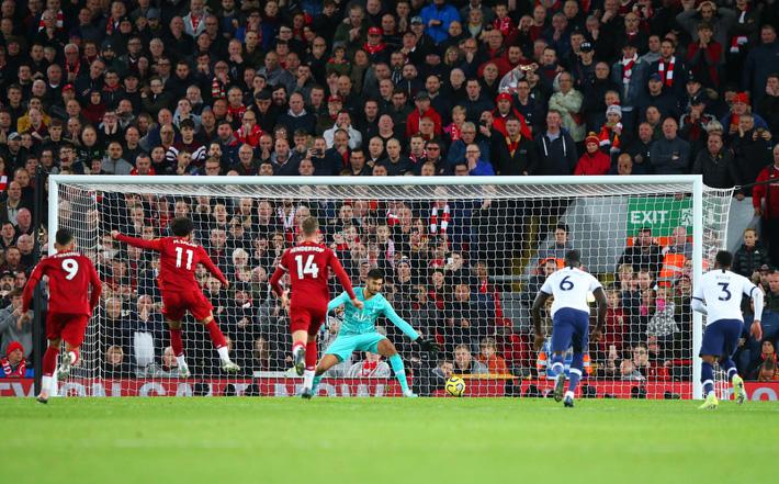 Vận may gõ cửa, Liverpool xây chắc ngôi đầu bảng bằng trận thắng nhọc trước Tottenham - Ảnh 4.