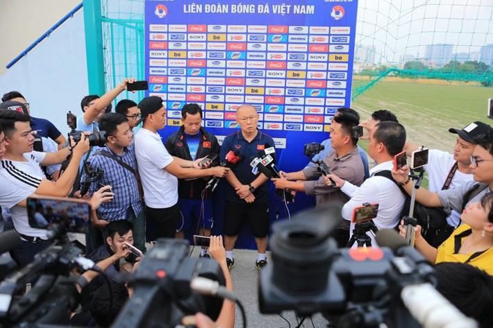 Ông Park phản pháo HLV Nishino: Trước khi chê Việt Nam, hãy tự xem lại Thái Lan đá thế nào - Ảnh 2.