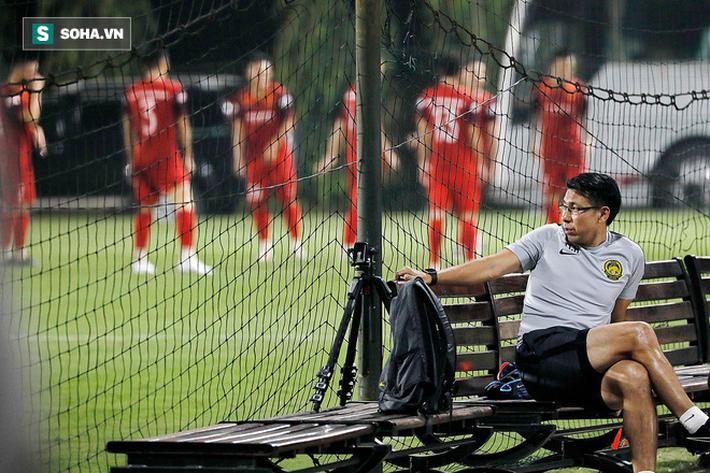 Sau sự cố để Malaysia do thám, HLV Park Hang-seo đổi sân tập vì sợ lộ bài - Ảnh 1.