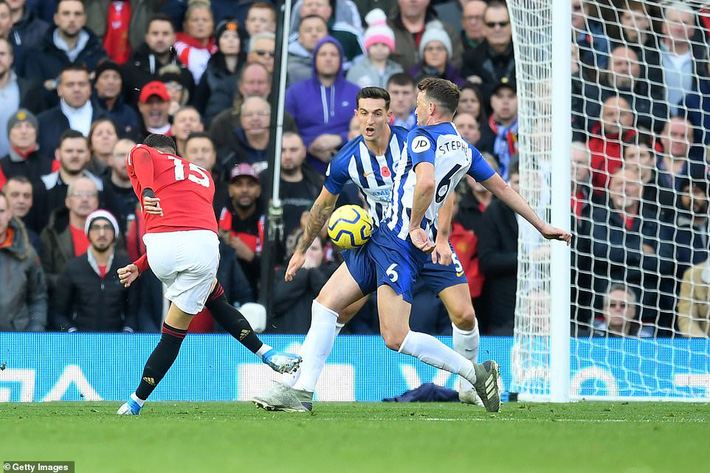 Giành 3 điểm trong trận đấu kỳ quặc, Man United nhảy vọt chóng mặt trên BXH Premier League - Ảnh 1.