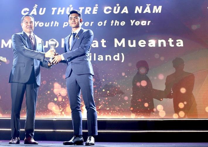 Nội bộ UAE lục đục ở Bangkok; Suphanat giải cứu U-19 Thái Lan - Ảnh 2.