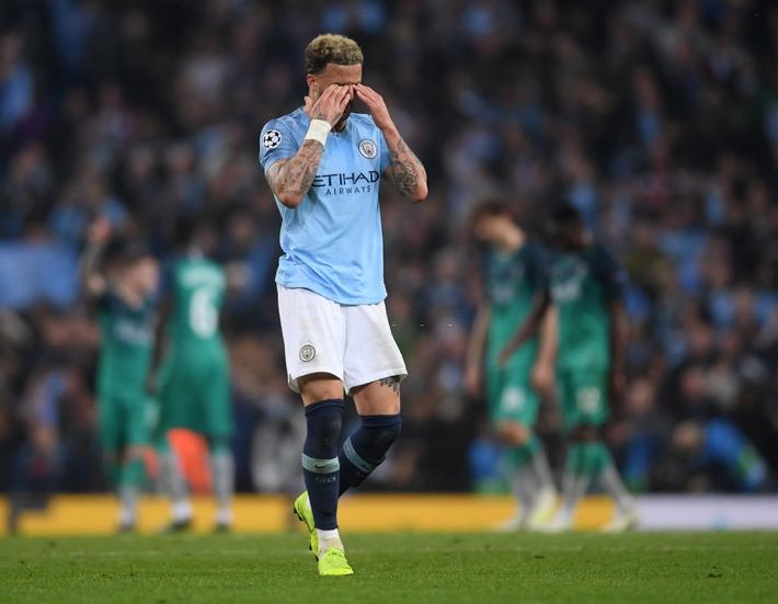Sai lầm kéo dài 3 năm của Pep Guardiola đã khiến Man City sụp đổ trước Liverpool - Ảnh 3.