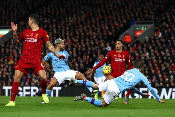 Chẳng có LiVARpool, chỉ có thời vận của Liverpool bất khả chiến bại - Ảnh 2.