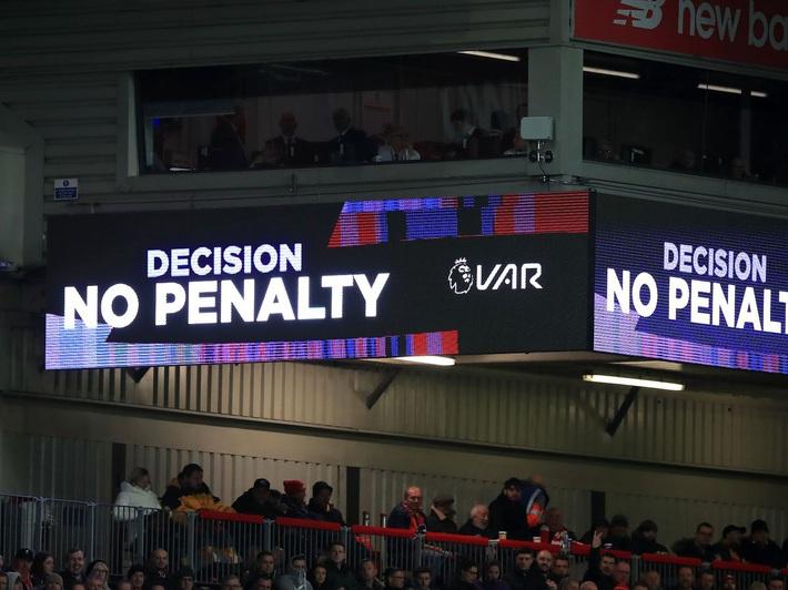 Chẳng có LiVARpool, chỉ có thời vận của Liverpool bất khả chiến bại - Ảnh 3.