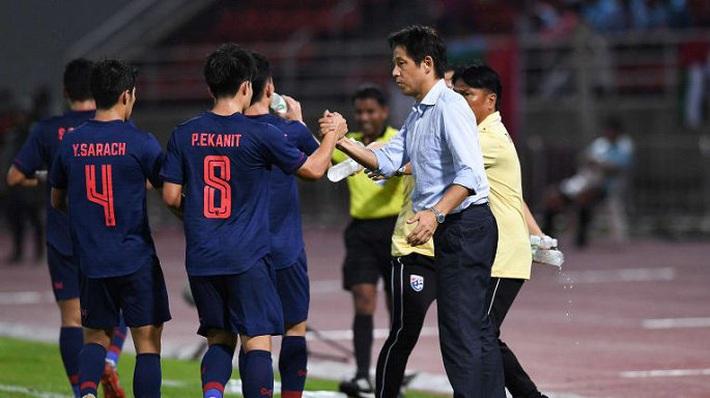 Thái Lan chốt đội hình đấu Việt Nam: 'Thần đồng' U19 vừa bị loại cay đắng cũng có tên - Ảnh 1.