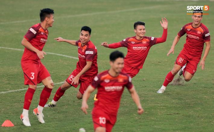 Tuấn Anh bị Đức Huy bắt nạt, đuổi khỏi vị trí ở trò chơi gây mất tình anh em tại tuyển Việt Nam - Ảnh 9.