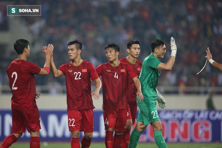 Tiền đạo Nguyễn Tiến Linh: Chiến thắng này tôi dành tặng tất cả NHM bóng đá Việt Nam - Ảnh 1.