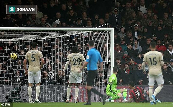 """Sai lầm """"chết người"""", Man United gục ngã muối mặt trước đối thủ chiếu dưới - Ảnh 1."""