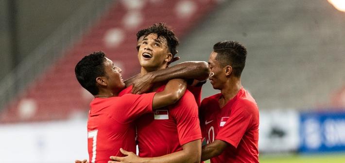 Vòng loại World Cup 2022: Việt Nam giữ vững ngôi đầu, Đông Nam Á liên tục gây sốc - Ảnh 1.