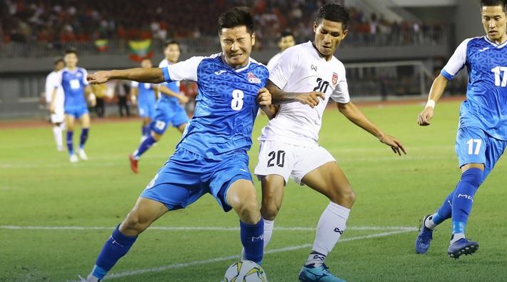Vòng loại World Cup 2022: Việt Nam giữ vững ngôi đầu, Đông Nam Á liên tục gây sốc - Ảnh 2.