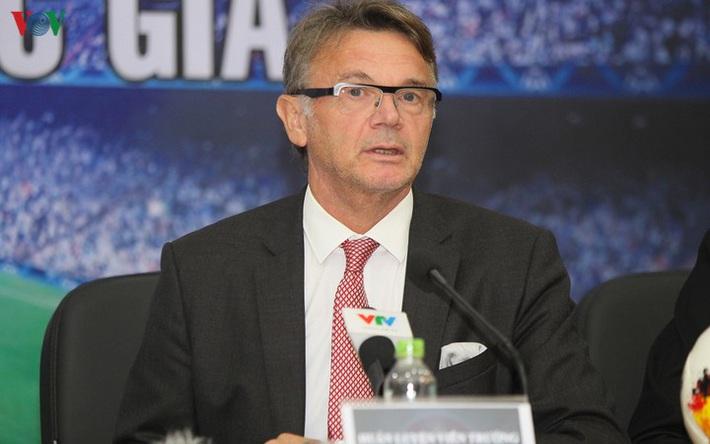 HLV Troussier muốn tiếp tục được cống hiến cho bóng đá Việt Nam - Ảnh 1.