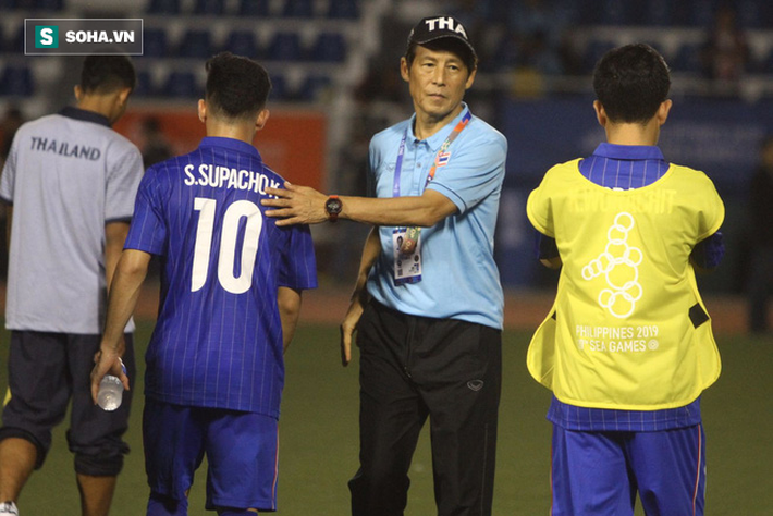 """Báo Thái đau đớn: """"Thua thế này, thà cho lứa U19-21 đá SEA Games còn hơn!"""" - Ảnh 1."""