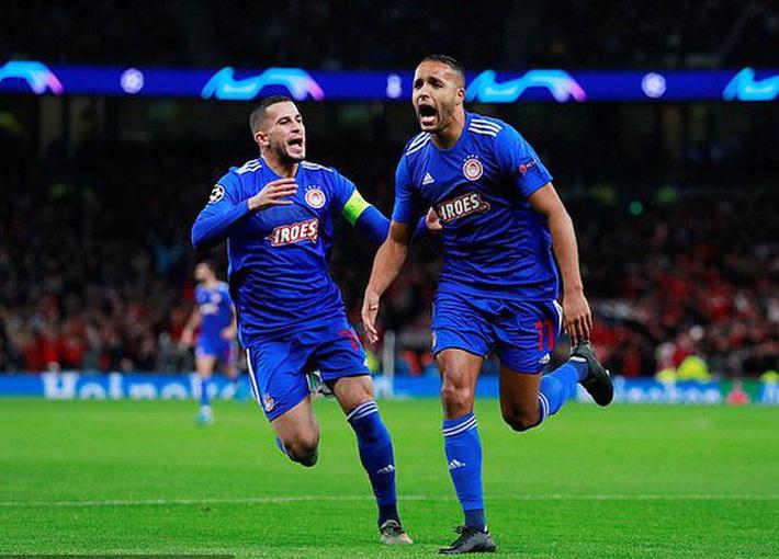 Tottenham bùng nổ với Mourinho, vượt vòng bảng Champions League  - Ảnh 3.