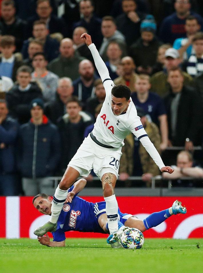 Tottenham bùng nổ với Mourinho, vượt vòng bảng Champions League  - Ảnh 6.