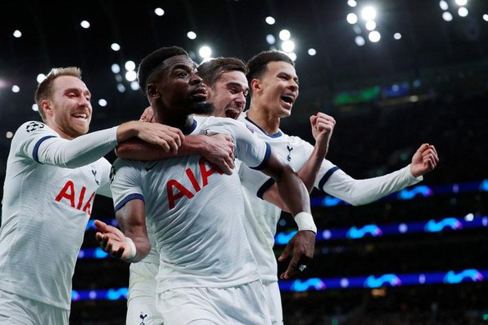 Tottenham bùng nổ với Mourinho, vượt vòng bảng Champions League  - Ảnh 8.