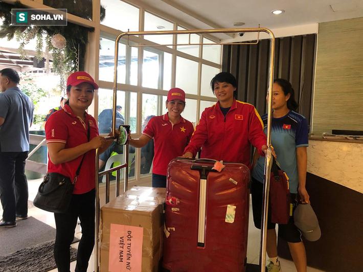U22 Việt Nam hào phóng, nhường toàn bộ 60kg thực phẩm từ Việt Nam cho tuyển nữ - Ảnh 2.