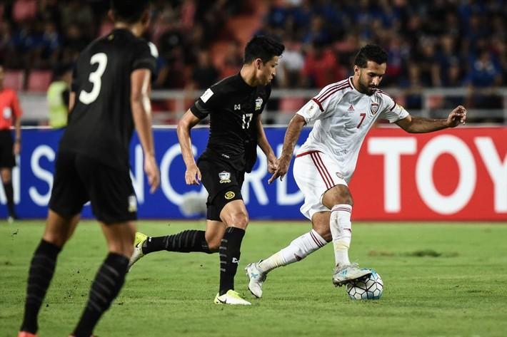 Trước trận gặp tuyển Việt Nam, nội bộ UAE bất ngờ khẩu chiến kịch liệt - Ảnh 2.