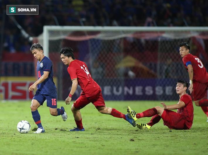 Không ngại ngần điền tên Chanathip, Quang Hải nhận mưa lời khen từ fan Thái Lan - Ảnh 1.