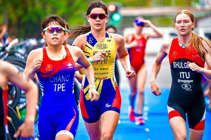 Chủ nhà Philippines cử... người mẫu gợi cảm tranh HCV triathlon SEA Games - Ảnh 4.