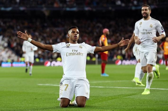 Rodrygo nổ hat-trick, Real Madrid vùi dập Galatasaray - Ảnh 1.