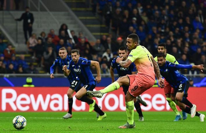 Kyle Walker thủ môn bất đắc dĩ, Man City cưa điểm Atalanta - Ảnh 4.