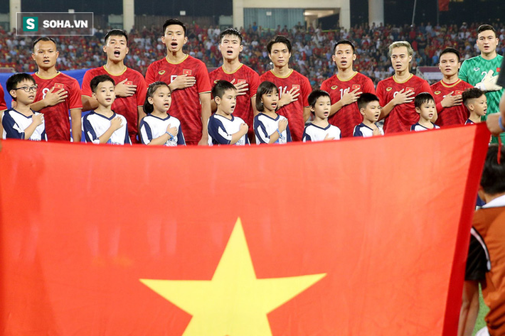 Phó Tổng thư ký FIFA: Bóng đá Việt Nam đang xích lại gần đẳng cấp thế giới - Ảnh 4.