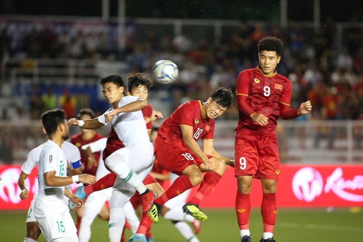 Thành Chung dùng đặc sản của Hà Nội FC gỡ hòa cho U22 Việt Nam - Ảnh 2.