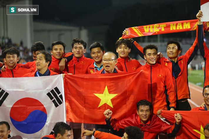 """Trợ lý Lee Young-jin hé lộ tuyệt chiêu của thầy Park giúp U22 Việt Nam đá """"như lên đồng"""" - Ảnh 1."""