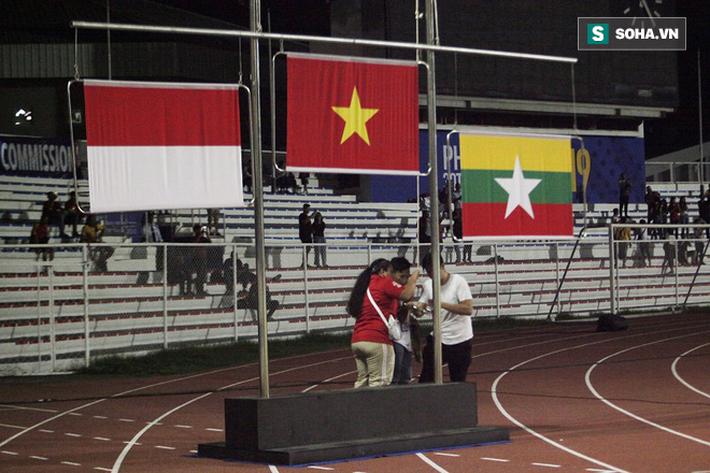 Lễ trao HCV cho U22 Việt Nam không trọn vẹn bởi sơ suất khó chấp nhận của BTC SEA Games - Ảnh 1.