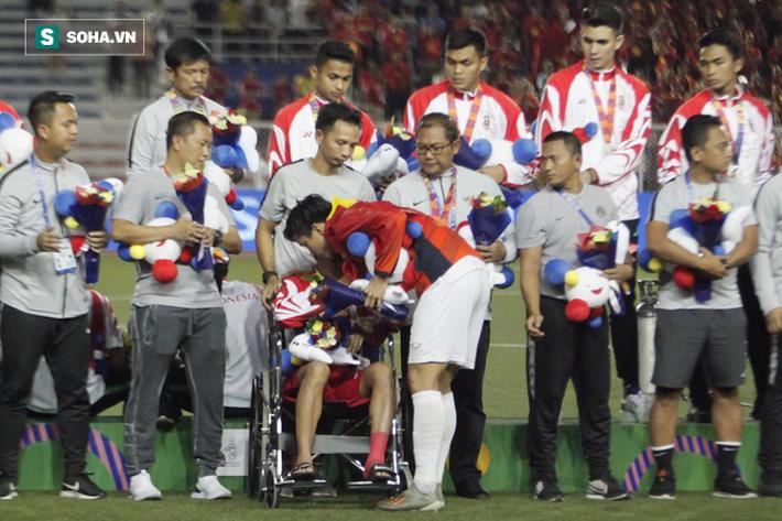 Khiến Messi Indonesia gặp chấn thương, Đoàn Văn Hậu đến tận nơi xin lỗi - Ảnh 3.