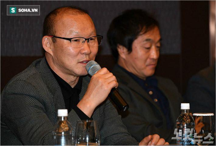 """Chiến tích """"độc nhất vô nhị"""" đầy vĩ đại của thầy Park không chỉ là tấm HCV SEA Games - Ảnh 1."""