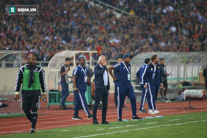 Chưa đầy 1 tháng sau khi thua Việt Nam, HLV đẳng cấp World Cup chán bóng đá, muốn giải nghệ - Ảnh 1.