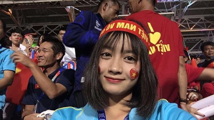 Hoàng Thị Loan tỏ tình, fan HAGL đẩy thuyền yêu Công Phượng - Ảnh 2.
